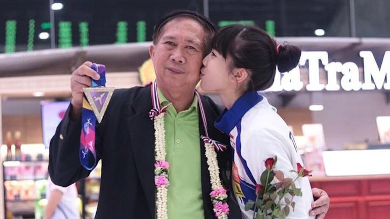 พ่อน้องเทนนิส สุดปลื้ม ลูกสาวคว้าเหรียญทองโอลิมปิก ยกเป็นชัยชนะของคนไทยทั้งประเทศ