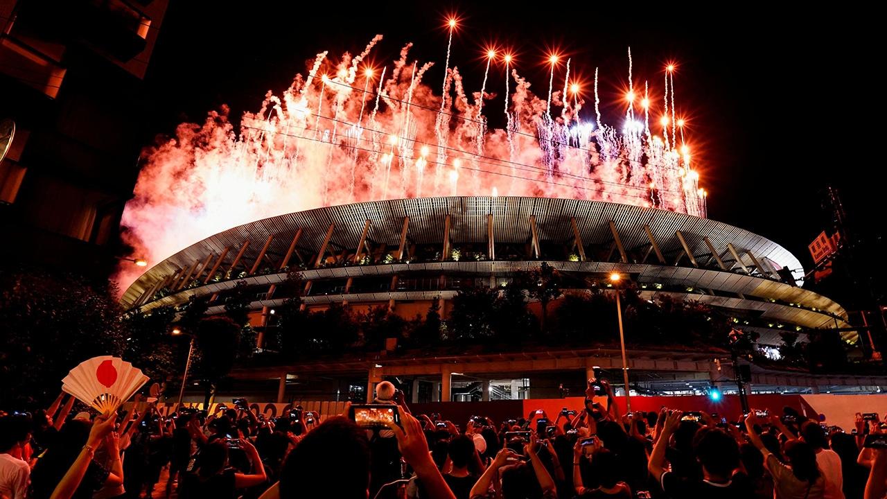 โอลิมปิกโตเกียว เปิดฉากสวยงาม ท่ามกลางโควิดรุมเร้า เชิญธงไทยโบกสะบัด