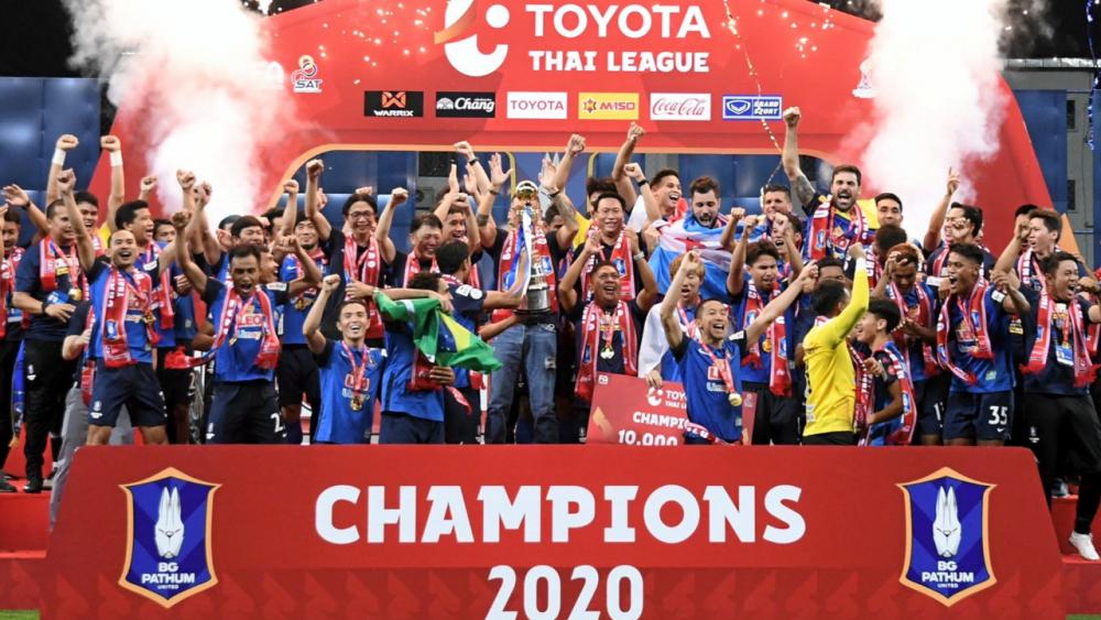 """""""ไทยลีก"""" แจ้งปฏิทินการแข่งขันฟุตบอลลีกอาชีพ ฤดูกาล 2021/22 หลังเลื่อนหนีโควิด"""
