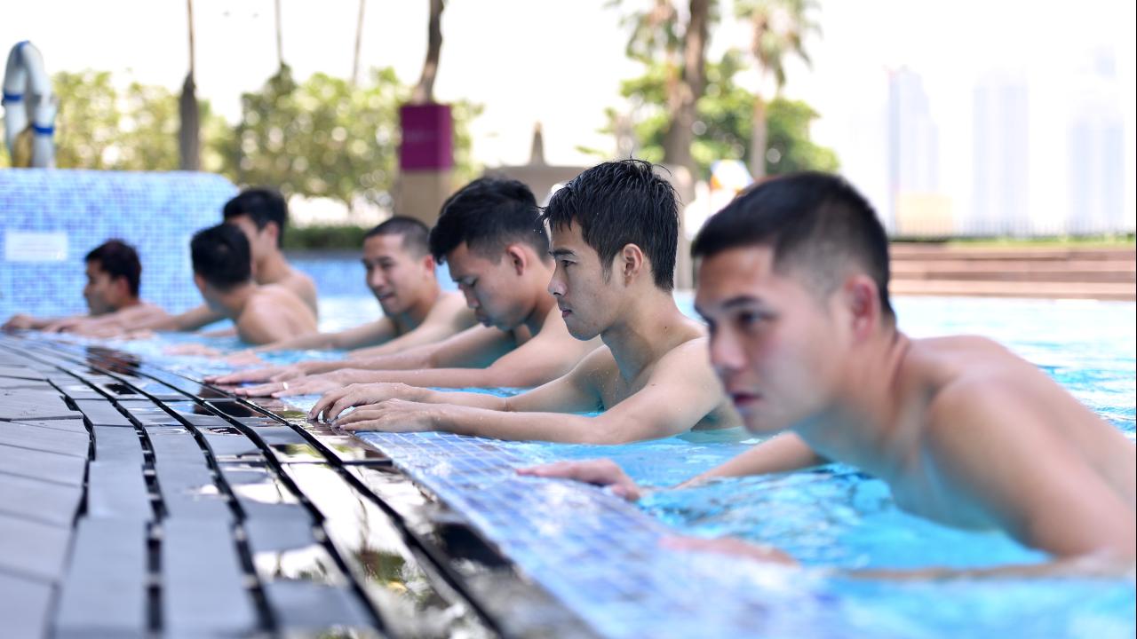 """พักกายใจแล้วไปต่อ """"ทีมชาติไทย"""" ฟื้นฟูร่างกายก่อนชี้ชะตา ยูเออี คัดบอลโลก"""