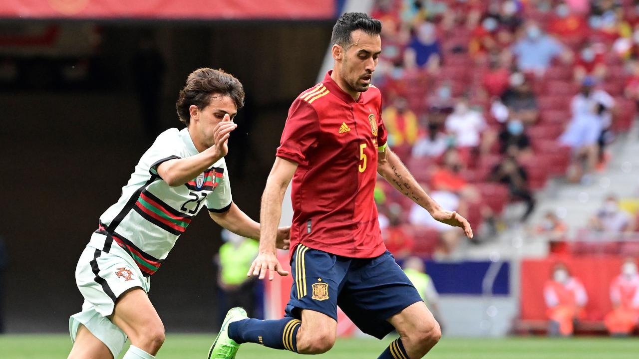 """วุ่นแล้ว """"บุสเกตส์"""" ติดโควิด-19 ก่อนทีมชาติสเปนเตะยูโร 2020 นัดแรก แค่ 8 วัน"""