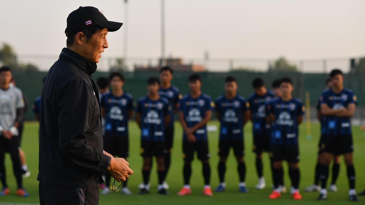 """""""นิชิโนะ"""" กระสันพา """"ทีมชาติไทย"""" เข้ารอบต่อไป ฟุตบอลโลก 2022 รอบคัดเลือก"""