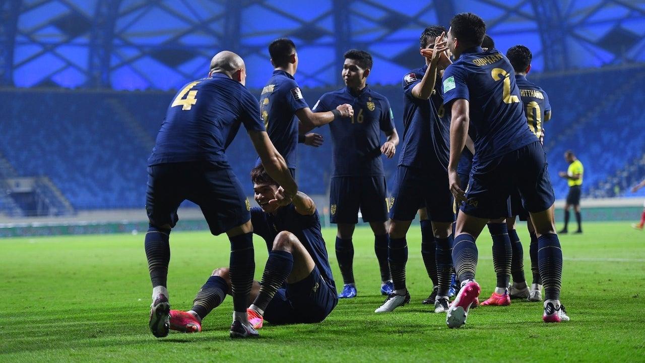 """สรุปสถานการณ์ล่าสุด """"ทีมชาติไทย"""" ศึกคัดบอลโลก-เปิดเงื่อนไขเข้ารอบ"""