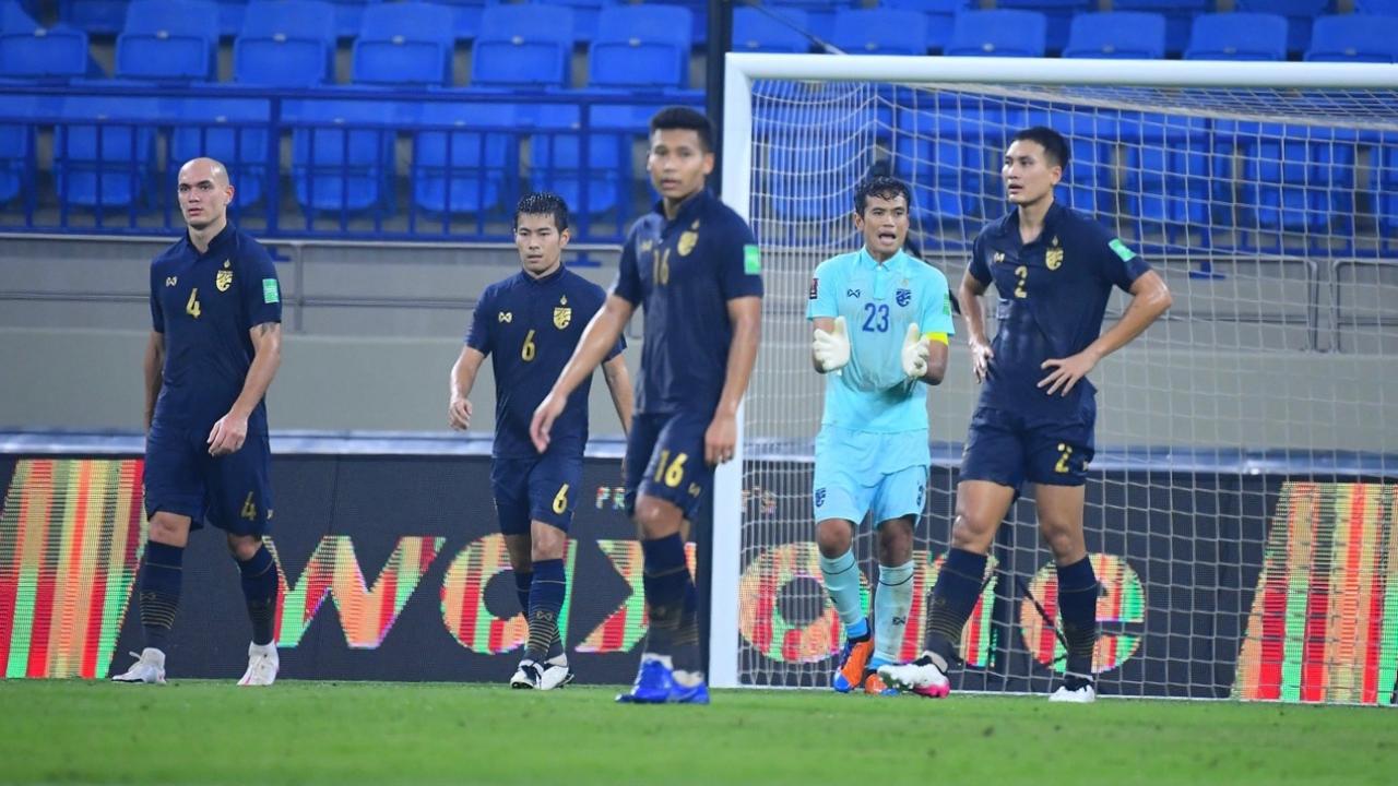 """4 ประเด็นร้อน """"ทีมชาติไทย"""" พลาดเจ๊าอินโดฯ ลุ้นเหนื่อยเข้ารอบ 12 ทีม คัดบอลโลก"""