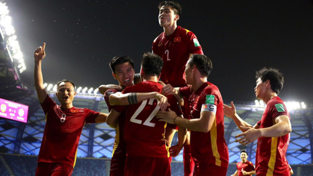 ยูเออี เฉือนหวิว เวียดนาม จบแชมป์กลุ่ม กอดคอเข้ารอบ 12 ทีม คัดบอลโลก 2022