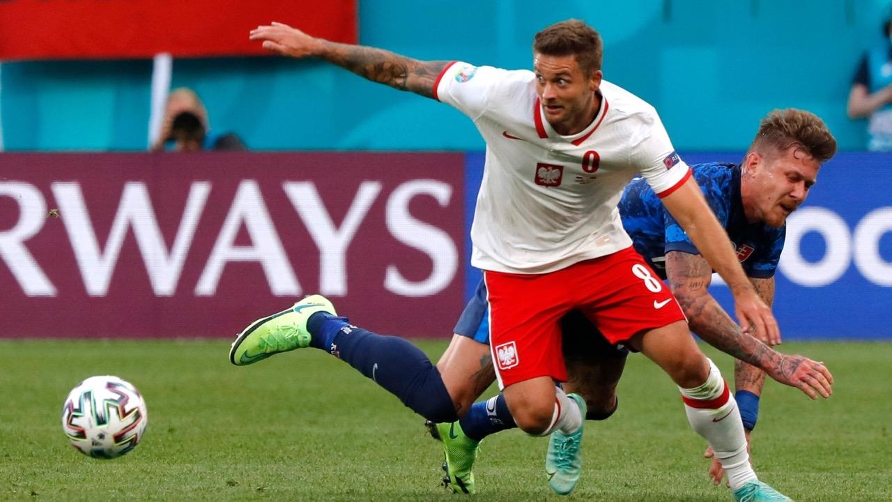 """""""สโลวะเกีย"""" เฉือน """"โปแลนด์"""" สิบคน 2-1 """"ยูโร 2020"""" รอบแบ่งกลุ่ม"""