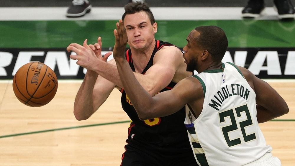 """ฟีนิกซ์ """"ซันส์"""" ขึ้นแท่นรอชิงแชมป์ NBA 2021"""